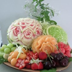 melon carving fruit platter