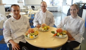 Thai Fruit and Vegetable Carving Lessons Students