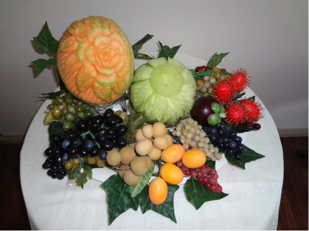 Fancy Fruit Carving Platter – Thai Creations